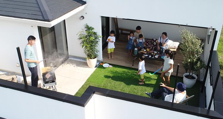 大収納空間 蔵と屋上庭園の家