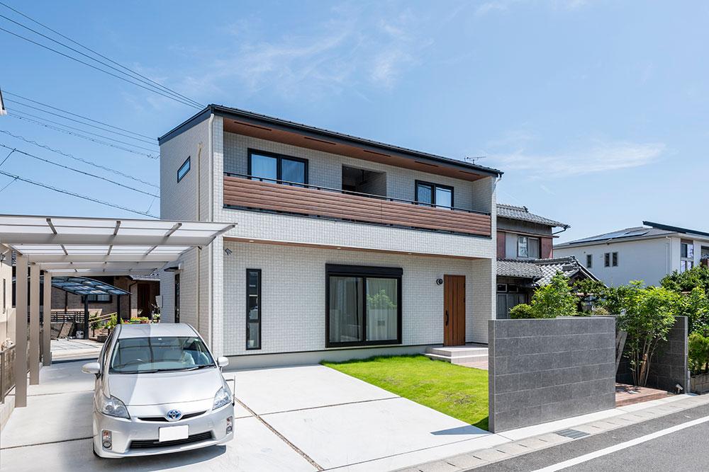 高い天井、開放感が魅力の高断熱ZEH住宅