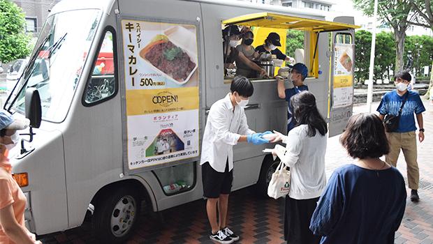 「コロナ禍でも働けるように」 障がい者らがキッチンカーで ランチ販売(東京)