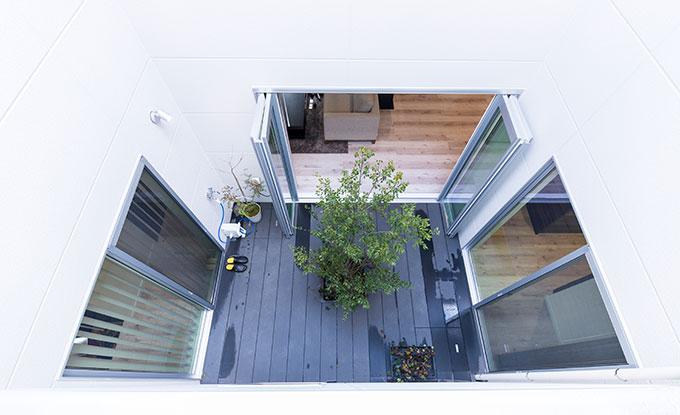 中庭を設けた在宅ワーク対応の注文住宅